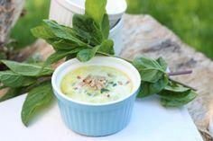 Zupa z Młodej Cukinii ze Świeżą Miętą i Słonecznikiem