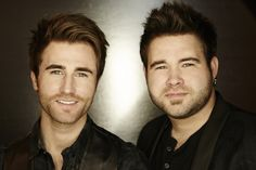 The Swon Brothers, Miranda Lambert, Tyler Farr, and more country stars are heading to Florida soon! Country Music News, Country Music Artists, Country Songs, Hot Country Boys, Debut Album, New Music, Comedians, Rock And Roll, Indie