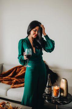 Celebrating My Favorite Season with Love Noir Wine - Walk In Wonderland Rock Chic, Cute Fashion, Fashion Looks, Womens Fashion, Fashion 2018, Work Fashion, Jewel Tones Clothes, Grunge, Rocker