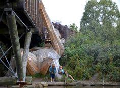 esculturas-gigantes-de-madeira-thomas-dambo-dinamarca-oscar-under-the-bridge (Foto: Reprodução/Thomas Dambo)