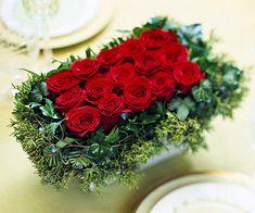 Aprovechemos la próxima Navidad para preparar hermosos y originales centros con flores naturales. Demos a nuestro hogar y nuestra mesa este detalle único. Los invitamos a disfrutar de estas 9 propu…