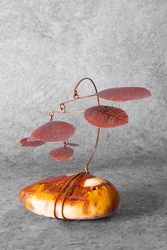 Mobile Art, Hanging Mobile, Mobile Sculpture, Sculpture Art, Sculpture Projects, Art Projects, Garden Spinners, Rain Shadow, Mixed Media Sculpture