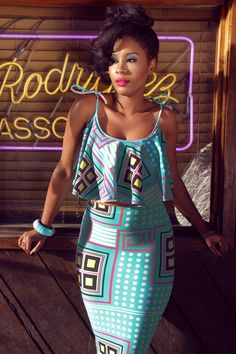 kaba and slit remix, easy peasy, straight skirt above waist + cropped swing top with thick spaghetti straps and scoop neck. African Inspired Fashion, African Print Fashion, Africa Fashion, Fashion Prints, African Print Dresses, African Fashion Dresses, African Dress, Nigerian Fashion, Ghanaian Fashion