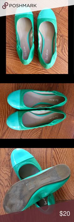 Boden leather ballet flats - 38 (7.5-8) - CUTE! Boden leather cap toe ballet flats in a beautiful spring/summer green! Toe portion is patent leather. These have been worn, but are in very good condition.  Most of the wear is on the bottom (just downsizing my closet.) Boden Shoes Flats & Loafers