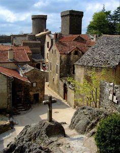 Village de la Couvertoirade, Aveyron, France. Ce village a accueilli une commanderie des Templiers.