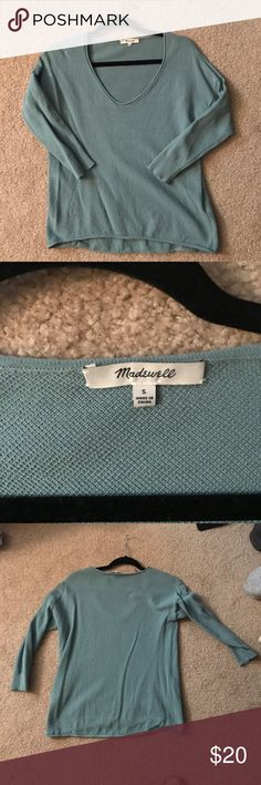 Madewell Lightweight V neck Sweater Madewell 3/4 length sleeve lightweight sweater. Only worn once! Madewell Sweaters V-Necks