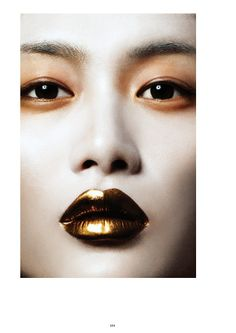 a glimpse of glamour.: ♥ golden girl.
