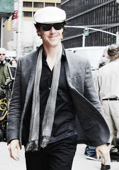 Sherlock (BBC) Filming.  Benedict Cumberbatch. Dat Style! This is what all men should wear...I can't take it. *swoon*