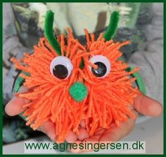 Monstret, som egentligt skulle have været et græskar, er lige landet på bloggen :)   Monstret er lavet af mit ældste dagplejebarn <3 Klik ind og se nærmere på det og husk at give mig noget credit når du bruger mine ideer. Her er så vejledningen til monstret: http://agnesingersen.dk/blog/garnmonster/ Easy kids crafts  halloween - Kinderbastelideen