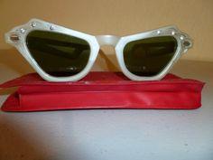 Vintage Cate Eye sunglasses bakelite womens by ClearlyRustic, $28.00