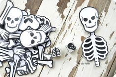 •❈• Halloween game--Mr. Bones via Amy Huntley (The Idea Room)  Fantastic tutorial!  This is a great game for kids 4th grade and up.  It does take some preparation but it is a fun game to play at a class party or family game night.