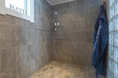 Myydään Omakotitalo 5 huonetta - Kangasala Suntinmäki Kaarina Maununtyttären tie 146 - Etuovi.com 7677865 Bathtub, Bathroom, Standing Bath, Washroom, Bathtubs, Bath Tube, Full Bath, Bath, Bathrooms