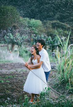 Special wedding photography poses - acquire appealing advice from this photo explanation. Pre Wedding Photoshoot, Wedding Poses, Wedding Shoot, Wedding Couples, Cute Couples, Korean Wedding Photography, Vintage Wedding Photography, Couple Photography, Romantic Photography