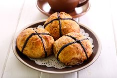 Healthy Hot Cross Buns Recipe – Kayla Itsines