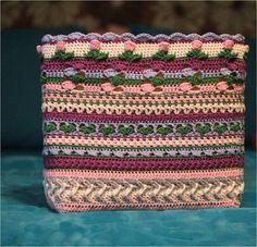 Week 5 van de 'I want that bag!' CAL ontworpen door Kimberly Slifer van Just a Girl and a Hook is de laatste week van het haakgedeelte van de tas. Volgende week maken we hem helemaal af…