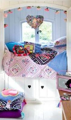 wonderfully cozy sleeping nook