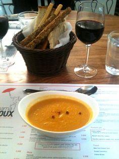 Mama Roux - σούπα καρότου Places To Eat, Athens, Ethnic Recipes, Food, Essen, Meals, Yemek, Athens Greece, Eten
