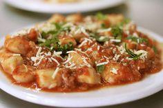 Gnocchi, Italy 19 Ways To Eat Potatoes Around The World Potato Recipes, Vegetable Recipes, Pasta Recipes, Vegetarian Recipes, Cooking Recipes, Food Dishes, Main Dishes, Side Dishes, Rappie Pie Recipe