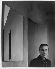 Georgia O'Keeffe / photo by Yousuf Karsh 1956