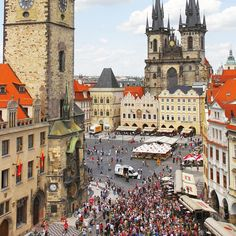happy 605th anniversary to the astronomical clock in prague! our tip?? if like us crowds make you stabby then grab a pint at one of the nearby rooftop bars & watch the show from above. you'll be less likely to rage-punch someone in the face. plus pilsner!