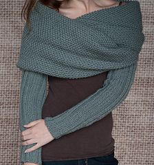 Ribbed sleeved scarf