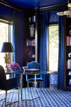 Inside One Family's Glam Midway Hollow Pad. navy home office. home decor and interior decorating ideas. Home Office Design, House Design, Estilo Kitsch, Blue Rooms, Dream Decor, Modern Interior Design, Room Inspiration, Decoration, House Styles
