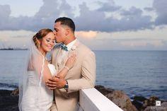 Ya en nuestro Blog la hermosa boda de Jarilee & Heriberto.  Visita el link en mi profile o rafyvega.com/blog  : @dwayne_photographer  #RafyVegaPhotography #oceanfrontweddings #oceanviewponce #TeamE&Jnewlyweds723 #prweddings #puertoricoweddings #puertorico #puertoricobodas #ponce #ponceweddings #bestwedding #WeddingPuertoRico #kiss