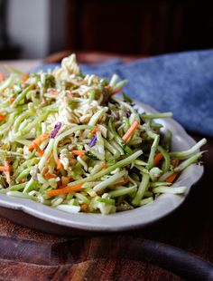 Ramen Broccoli Slaw Broccoli Slaw Salad, Broccoli Slaw Recipes, Ramen Salad, Salad Recipes, Drink Recipes, Vegetarian Recipes, Cooking Recipes, Healthy Recipes, Fresh Ramen Noodles