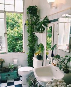 Don't miss the opportunity to get the coolest room design in the world! Don't miss the opportunity to get the coolest room design in the world! Bathroom Plants, Boho Bathroom, Jungle Bathroom, White Bathroom, Bathroom Interior, Modern Bathroom, Home Decor Trends, Home Decor Inspiration, Decor Ideas