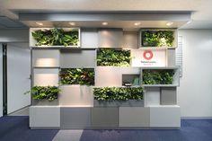 壁面緑化のオリジナル家具デザイン