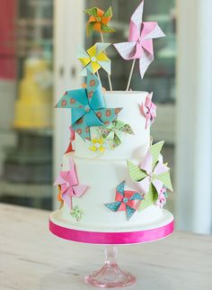 Beverly's Best Bakery Tour - various sized windmills popping out of a white tiered cake!
