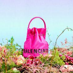 """Printemps.com on Instagram: """"LA VIE EN ROSE (ET VERT) 💕 [fr] Confectionné dans un nylon recyclé, ce sac seau Wheel XS est en accord total avec les valeurs sustainable…"""" Nylons, Balenciaga, Accessories, Instagram, Bucket Bag, Pink And Green, Nylon Stockings, Jewelry Accessories, Balenciaga Bag"""