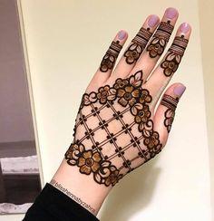 Henna Hand Designs, Dulhan Mehndi Designs, Mehandi Designs, Latest Finger Mehndi Designs, Very Simple Mehndi Designs, Palm Mehndi Design, Pretty Henna Designs, Stylish Mehndi Designs, Mehndi Designs Book