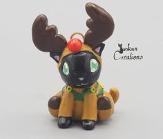 Polymer clay cat in a reindeer costume von JuskanCreations auf Etsy