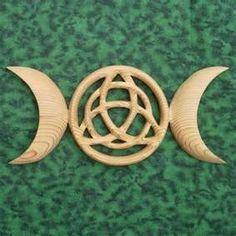 Triple Moon Triquetra - Celtic Goddess Symbol - Wiccan Protection