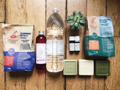 Ce billet ne sera pas le plus glamour de. Cleaning Master, Cleaning Checklist, Green Cleaning, Natural Cleaning Products, Green Life, Save The Planet, New Years Eve Party, Organic Beauty, Zero Waste