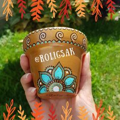 Painted Flower Pots, Painted Pots, Mandala Rocks, Meraki, Rock Art, Potted Plants, Home Deco, Cactus, Pottery