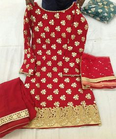 Like Tutorial and Ideas Indian Suits, Indian Attire, Indian Wear, Indian Dresses, Patiala Salwar Suits, Salwar Suits Party Wear, Designer Punjabi Suits, Indian Designer Wear, Punjabi Suit Boutique