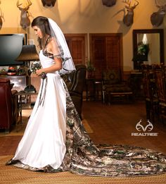 Realtree Camo White Wedding Dress - Camo isn't always redneck.
