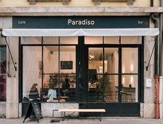 In/Out: Paradiso Cafe & Bar in Geneva