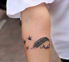 Tatuagem de infinito: 80 ideias para fazer a escolha certa Tattoo Life, Arm Tattoo, Body Art Tattoos, Small Tattoos, Tatoos, Ouroboros Tattoo, Chest Piece, Meaningful Tattoos, Tattoo Designs
