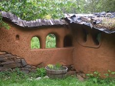Clay Plaster on Garden Wall | Living Earth Structures