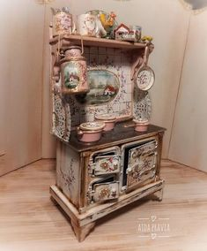 Mini Kitchen, Miniature Kitchen, Miniature Crafts, Miniature Dolls, Hand Painted Furniture, Paint Furniture, Miniature Furniture, Dollhouse Furniture, Muñeca Diy