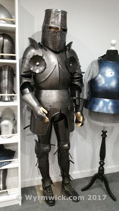 Medieval Knight Crusader Suit of Armor Dark Complete Armor - Halloween Silver Halloween Suits, Halloween Costumes, Larp Armor, Medieval Costume, Medieval Knight, Suit Of Armor, Medieval Fashion, Fantasy Costumes, Dark Ages