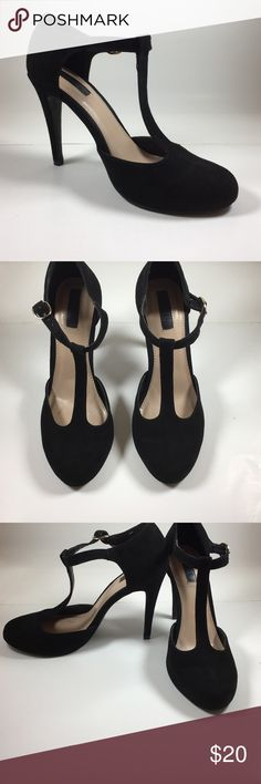 Forever 21 black classy heels SIZE 7/12 LIKE NEW Classy and sexy black heels by forever 21 SIZE 7 1/2 Shoes Heels