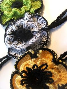 Fall Flower to crochet for your purse