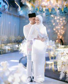Malay Wedding Dress, Wedding Dresses, Wedding Looks, Dream Wedding, Wedding Hijab Styles, Wedding Photography Contract, Hijab Fashion, Bliss, Bride Dresses