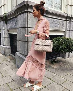 Negin Mirsalehi, vestido rose quartz, binkin branca, chanel bege, hi-lo.