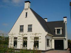 """Bouwkavel aan de Scherpenbergsebaan nabij nummer 8A te Schijf ten behoeve van wonen met een grootte van ca. 2.376 m². Hierop kunt u zelf uw eigen vrijstaande woning (villa) (laten) bouwen. De locatie komt in aanmerking voor het """"Ruimte voor Ruimte"""" beleid. Ligging: Het perceel is gelegen in het buitengebied van Schijf, net buiten de bebouwde"""