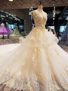Luxury wedding dress for bridal beading ball gown short sleeves lace wedding gowns vestidos de noivas real photos Luxury Wedding Dress, Best Wedding Dresses, Boho Wedding Dress, Designer Wedding Dresses, Bridal Dresses, Wedding Gowns, Bridesmaid Dresses, Lace Wedding, Casual Wedding